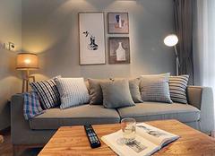 沙发颜色与客厅的搭配技巧 客厅沙发如何摆放最好