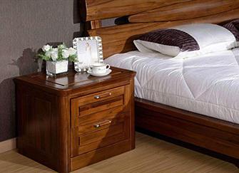 床头柜只放一个可以吗 卧室放不下两个床头柜