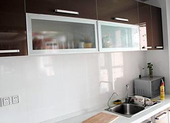 厨房玻璃橱柜门好不好 厨房玻璃橱柜门怎么安装