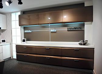 厨房橱柜门板选什么好 厨房橱柜门板价格