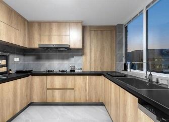 厨房橱柜门用什么材料好 厨房橱柜门怎么安装
