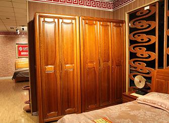 实木衣柜如何挑选 实木衣柜定做价格