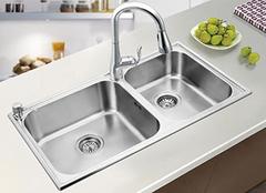 厨房洗菜盆如何正确的安装 厨房洗菜盆打什么胶