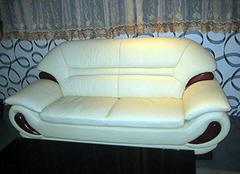 沙发翻新一般多少钱 实木沙发翻新价格