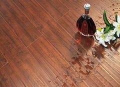 地板潮湿是什么原因 地板潮湿怎么快速弄干