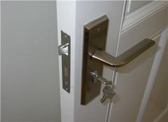找师傅换锁芯安全么 上门换锁一般要多少钱