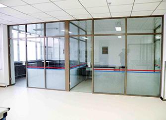 玻璃隔断墙的做法 玻璃隔断墙多少钱