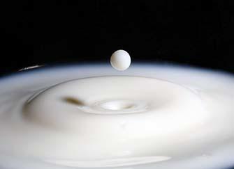 过期牛奶可以浇花吗 过期牛奶的11个妙用
