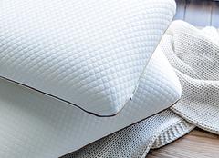 8种东西不能放枕头下面 枕头下放什么不做噩梦