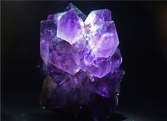 紫水晶的寓意及功效 紫水晶值多少钱