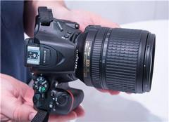 尼康入门级全画幅相机2019 尼康5600佳能800d谁好