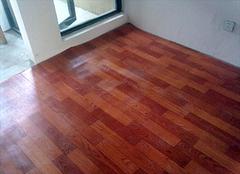 地板革什么材料的好 地板革有什么优点和缺点