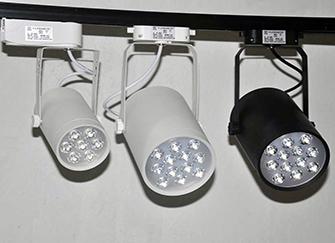 led射灯闪烁怎么解决 led射灯使用注意事项