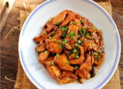 鸡胸肉怎么做好吃 鸡胸肉减肥食谱