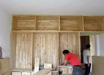 室�妊b修木工主要做什麽 室�妊b修木工工�流�鞒谐�