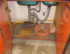 厨房下水道堵塞五大解决妙招 厨房下水道有异味怎么处理 厨房下水道漏水怎么处理