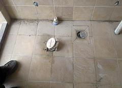 卫生间漏水不想砸地面如何返修 卫生间漏水维修方案