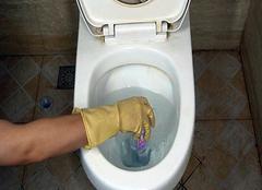 馬桶一邊上水一邊漏水 馬桶一邊上水一邊漏水怎么修