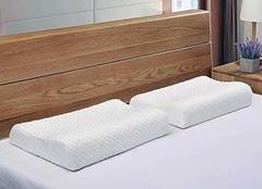 枕头有什么风水讲究 扔掉不用枕头的禁忌 一人睡觉不要放两个枕头