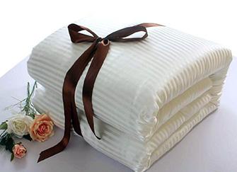 蚕丝被4斤多少钱一床 蚕丝被4斤是冬天盖还是夏天盖 蚕丝被4斤夏天能盖吗