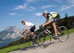 梦见骑自行车什么意思 梦见骑自行车路不好走 梦见骑自行车带人