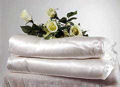 蚕丝被适合什么季节盖 正宗蚕丝被多少钱一斤 蚕丝被冬天盖几斤最合适