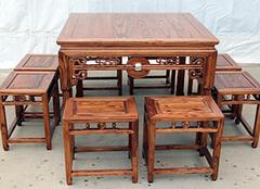 八仙桌的由来及座次 八仙桌的做法示意图 八仙桌上会宾客是什么生肖