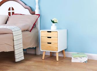 床头柜高度标准尺寸 床头柜高于床风水好不 床头柜比床矮风水禁忌