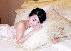 睡觉口水枕头黄臭怎么办 睡觉流口水和枕头有关系吗 睡觉流口水用什么枕头