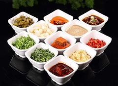 火锅蘸料有哪些 火锅蘸料怎么调才好吃 火锅蘸料油碟怎么调