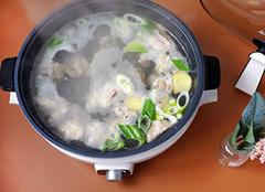 美的电火锅哪个型号好 美的电火锅怎么使用 美的电火锅可以炒菜吗