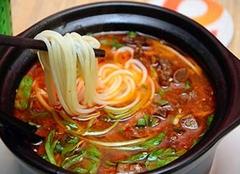 砂锅和陶瓷锅的区别 砂锅和陶瓷锅哪个好 砂锅炖汤的危害
