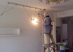 墙面刷漆好还是壁纸好 墙面刷漆多少钱一平 墙面刷漆后多久可入住