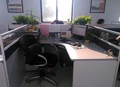 女性办公桌上摆放风水 女性办公桌适合摆放什么 女性办公桌风水摆放图