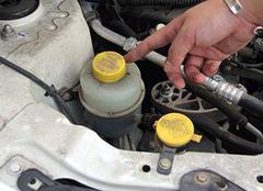 刹车油多久换一次合适 刹车油不换有什么影响 刹车油根本不用换吗