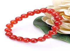 红玛瑙手链寓意什么 红玛瑙手链佩戴的禁忌 红玛瑙手链多少颗最好