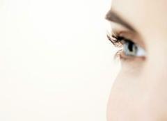 女人右�眼跳是��是�� 女人右眼跳是��� 女人右�眼跳是什麽�A兆