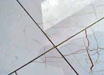 瓷砖做美缝好还是不做好 家里千万别做瓷砖美缝 客厅瓷砖美缝的害处