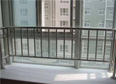 飘窗护栏要不要拆 飘窗护栏怎么装饰好看 飘窗护栏安装规范要求