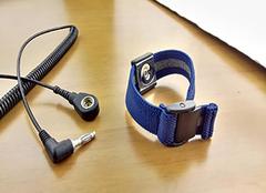 防静电手环原理 防静电手环有用吗 防静电手环怎么用