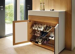 門口放鞋柜影響風水嗎 門口鞋柜帶掛衣架裝修 門口鞋柜裝修效果圖案例