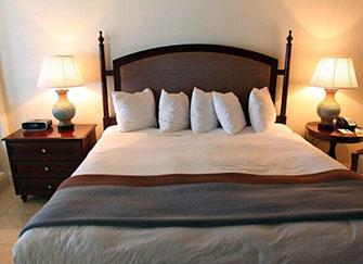 床头朝哪个方向好 床头在西床尾在东好吗 床头为什么不可以朝东