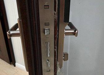 美心防盗门和盼盼哪个好 美心防盗门质量怎么样 美心防盗门价格一览表