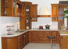 实木橱柜门板的优缺点 实木橱柜门板制作流程 实木橱柜门板多少钱一平方