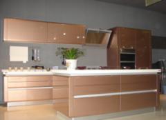 烤漆橱柜门板是木板吗 橱柜门是烤漆的好还是亚克力的好 厨房用烤漆橱柜好不好