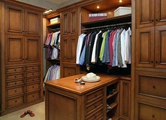 衣帽间有必要做吗 小的衣帽间怎样装修 衣帽间可以改成卫生间吗