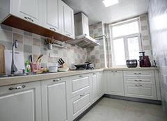 6平米的厨房装修得多少钱 厨房太小怎么利用空间 小户型厨房什么颜色瓷砖好