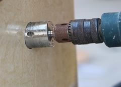 瓷砖怎么打眼 瓷砖打眼怎么修复 瓷砖打眼用电锤还是电钻