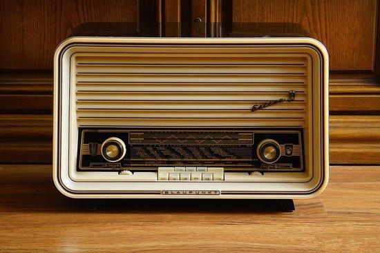 收音机是怎样工作的啊?
