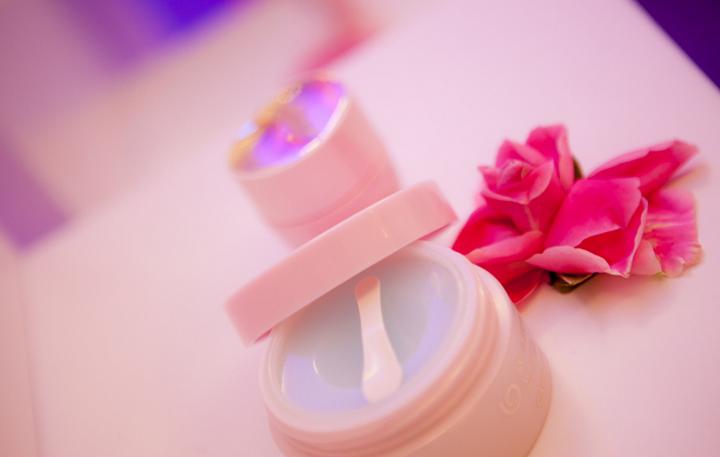 哪种护肤品更适合25岁左右的女孩子使用?